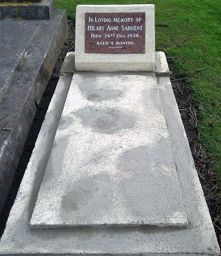 A Granite headstone sinle bed size grave